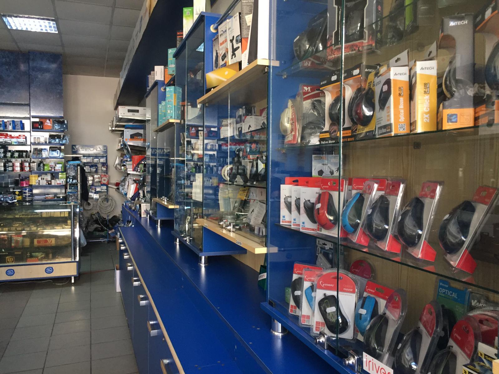 Interiorul magazinului
